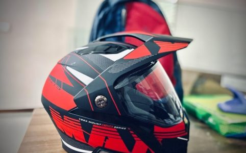 Aprende a cómo limpiar un casco de motocicleta