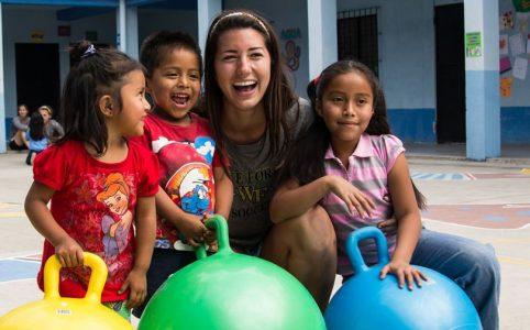 Beneficio a niños de Guatemala