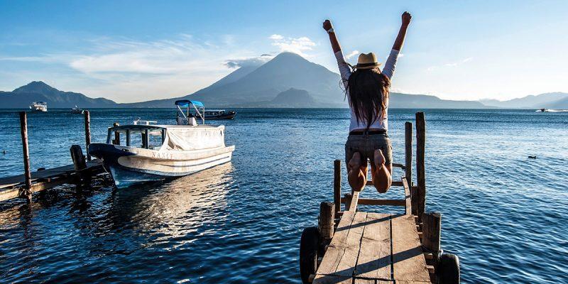 vista del Lago Atitlán en Guatemala